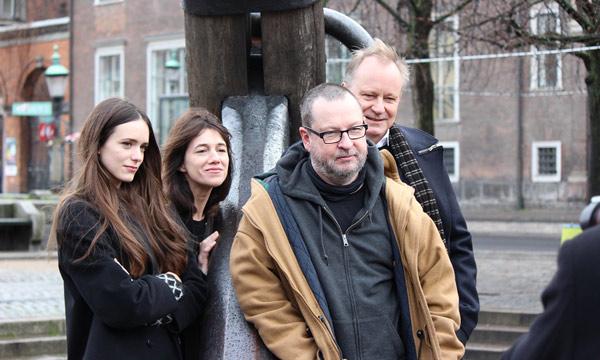 El reparto de Nymphomaniac con Lars von Trier en el centro
