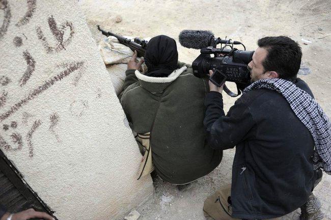 Periodistas en Siria. (Foto: clasesdeperiodismo.com)
