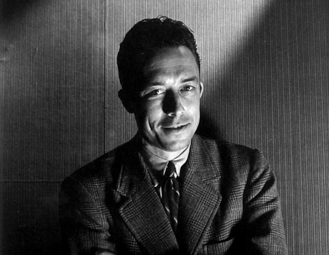 Albert Camus fue galardonado con el Premio Nobel de Literatura en 1957.