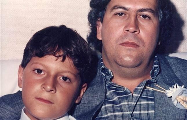 Pablo Escobar Gaviria e hijo.