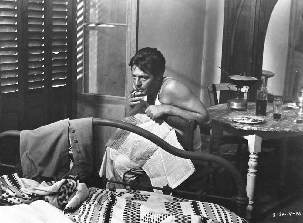 Marcello Mastroianni da vida aArthur Meursaulten Lo Straniero (1967).